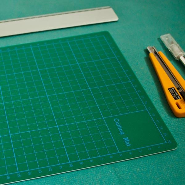 Wie du dein Buchblock mit den Cutter beschneiden kannst
